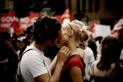 gesti romantici in pubblico