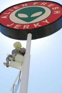 alien-fresh-jerky-baker