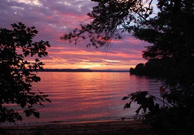 sebago lake hindu personals Find personals listings in  personals in northenden, greater manchester (1  man witha foot sailboat on sebago lake maine is looking for a sailing buddy that is.