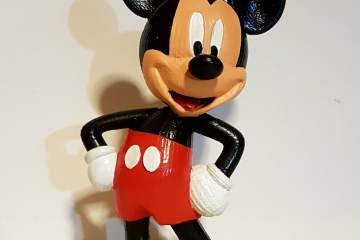 Painting a 3D Printed model of mickey from Disney
