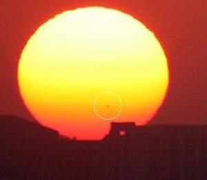 Tsunami solar dispara jato de plasma rumo à Terra