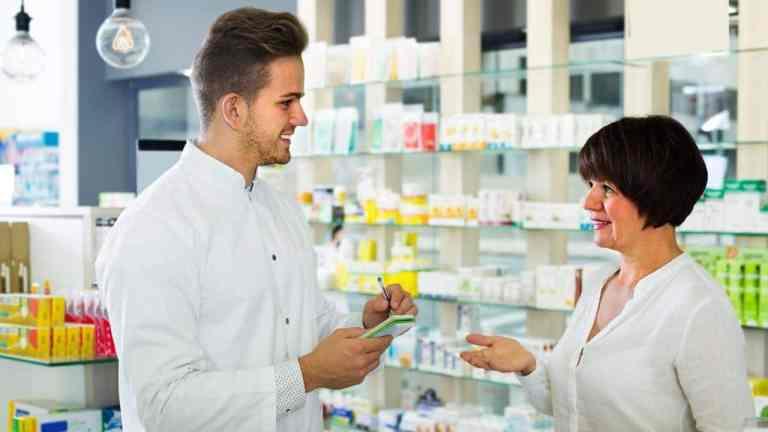 Atendimento farmacêutico: passo a passo do atendimento na farmácia