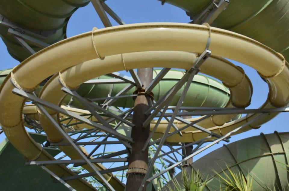 Atlantis The Palm - Aquaventure Waterpark - Anaconda Flume-Thru-Flume (5)
