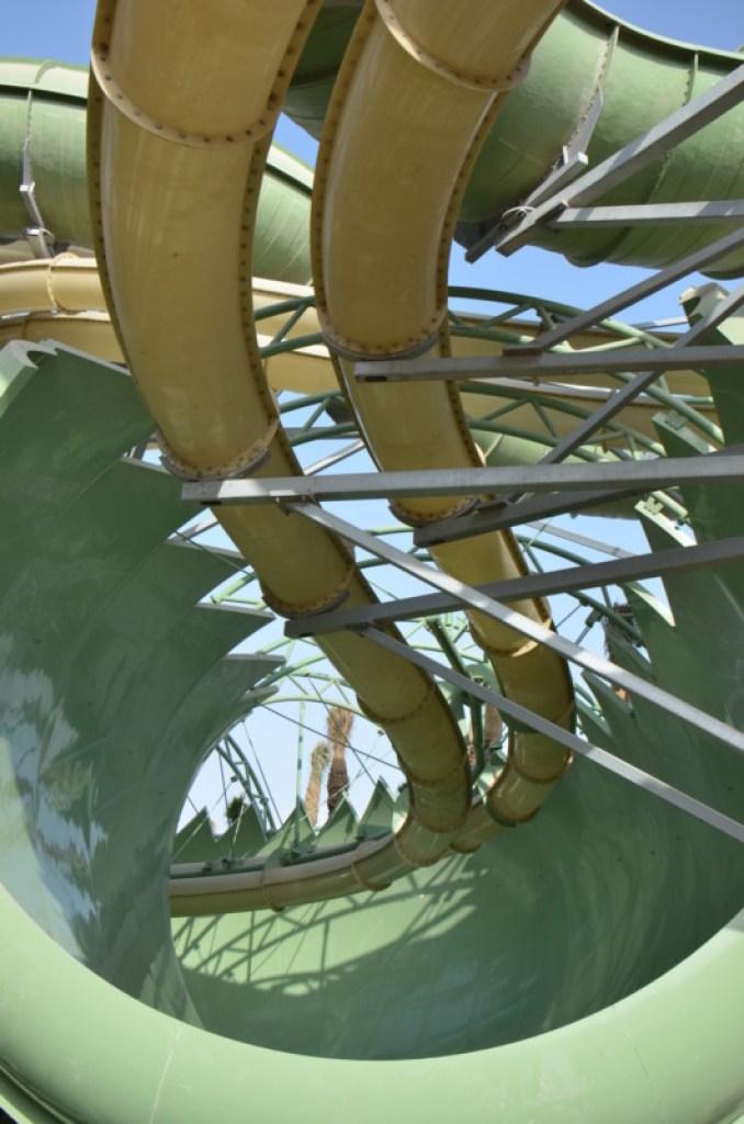 Atlantis The Palm - Aquaventure Waterpark - Anaconda Flume-Thru-Flume (6)