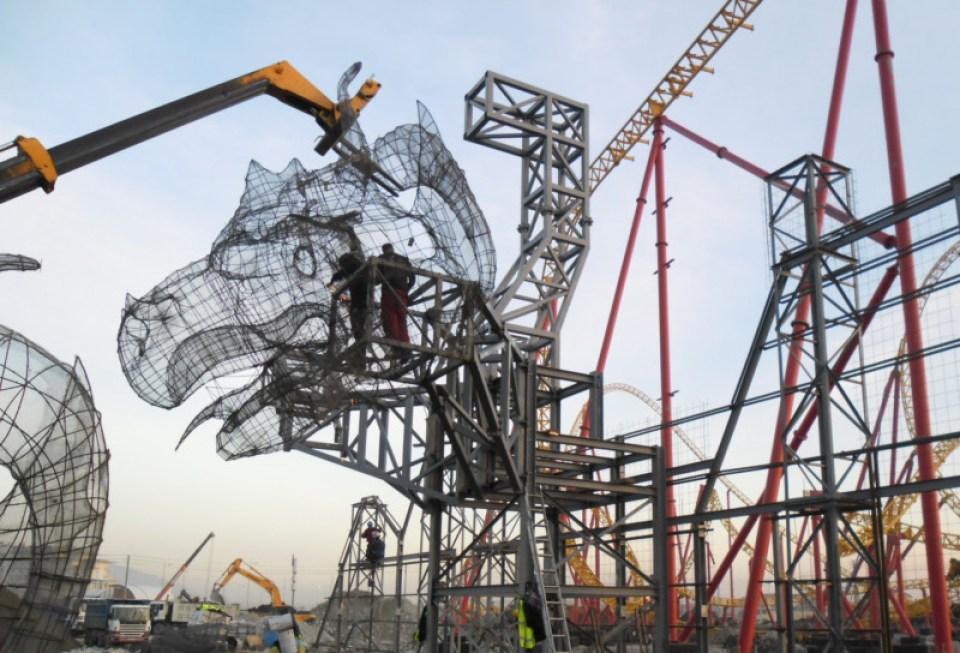 TAA Sochi - Dragon Wall and Figure 1 - cut (1) (1)
