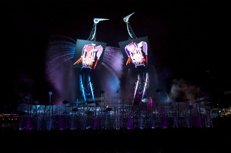 Crane Dance, Resorts World Sentosa