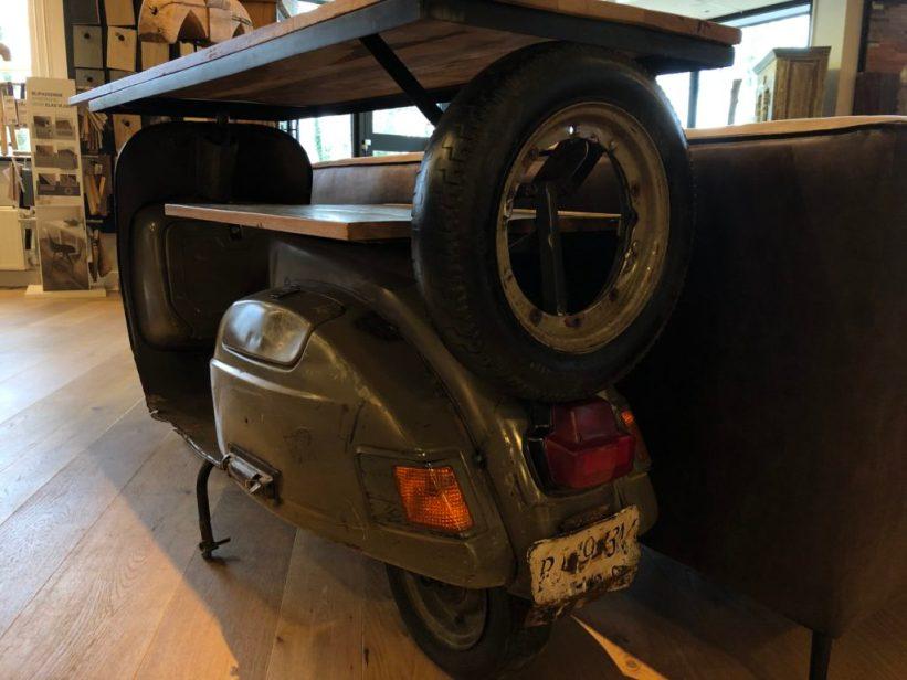 INPA woonwinkel scooter tafel