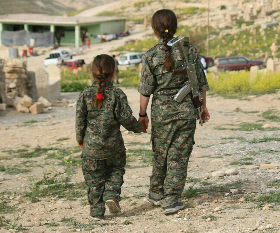 kurdish-fighter-3