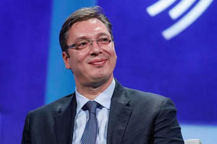 dick9lMaHR0cDovL29jZG4uZXUvaW1hZ2VzL3B1bHNjbXMvTmpRN01EQV8vZmU4ODgwMzQ2ZTFiMTZiNGM2NmI0MjNkYTAwYzE5NmMuanBlZ5GTAs0CQgCBoTAB Wess Michell: Nëse Vuçiq nuk e pranon propozimin për Kosovën, ka kush e pranon