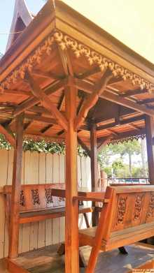 Pagoda Style Sitting Booths