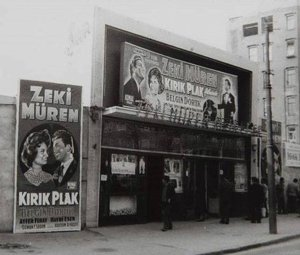 Zeki Murem film showing at Sans Sinema 1959
