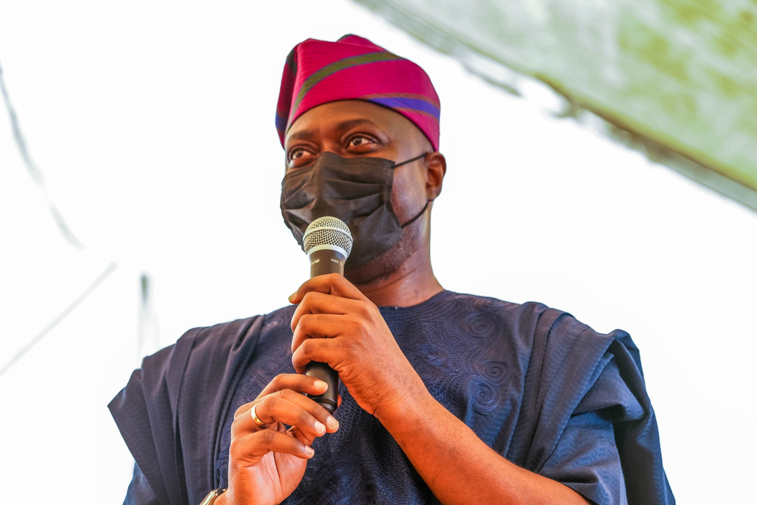 Makinde Vows To Go After Contractors Who Failed To Deliver Projects, To  Recover State's Money | InsideOyo.com