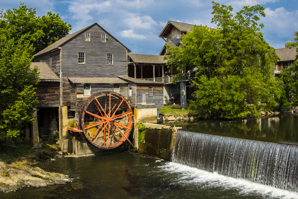 4 Reasons to Visit the Pigeon Forge Mill