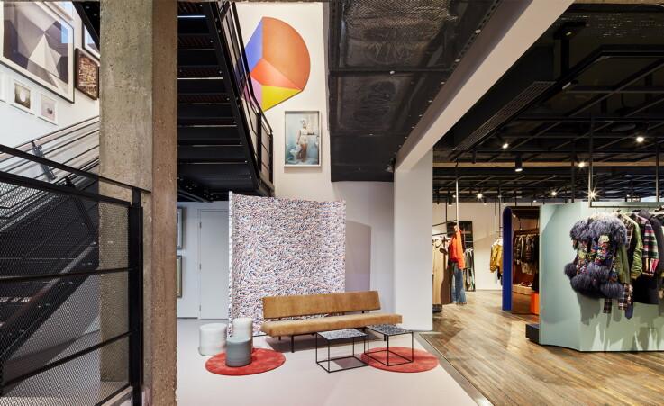 Retail Experience - Luxury Store
