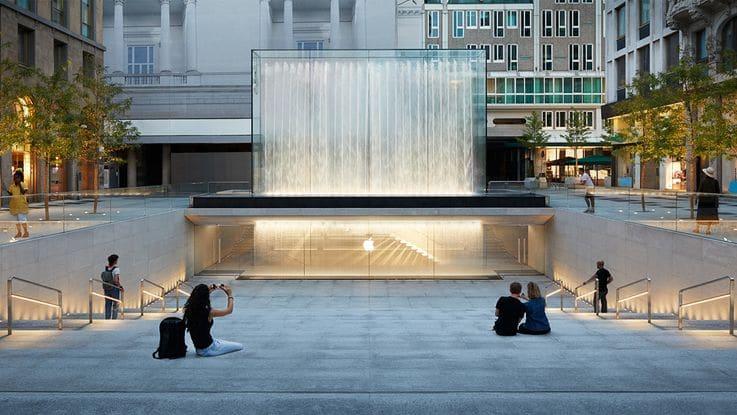 Retail Brand Home - Apple