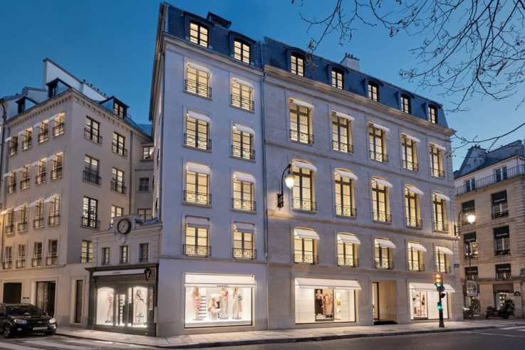 CHANEL boutique - 19, rue Cambon +Olivier Saillant (1)