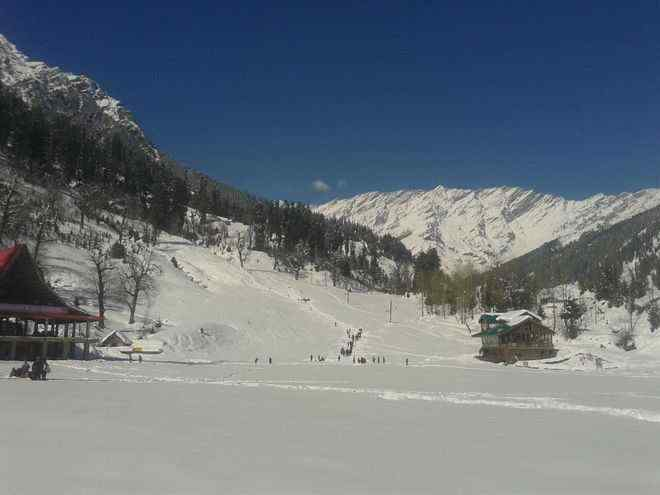 Tourists throng Solang,adventure sports,Sports News India,promoting adventure sports,InsideSport