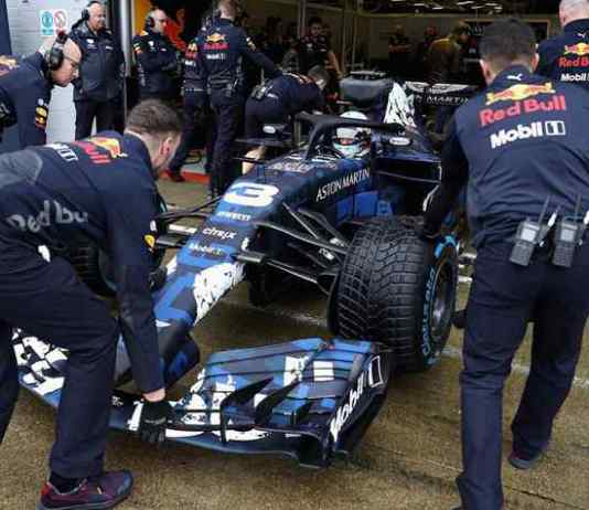 Aston Martin Red Bull racing Team RB!4 Car - InsideSport