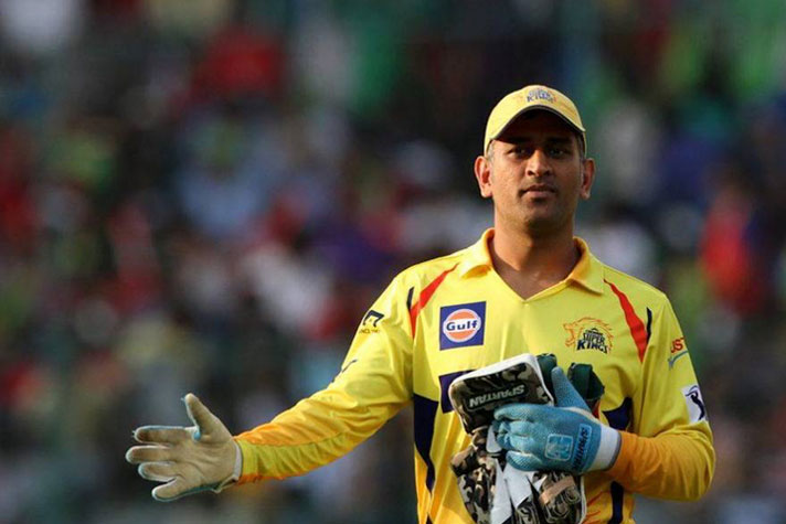 Suresh Raina consoles emotional MS Dhoni during CSK return talk