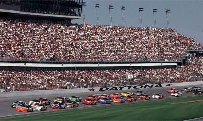 NASCAR partners with Verizon