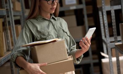 smartphone shipment