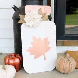 DIY Metallic Mason Jar Sign for Fall
