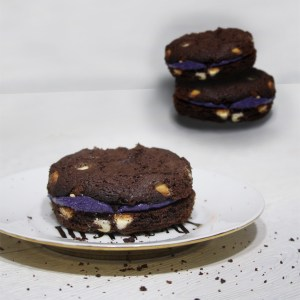 Dark Chocolate Cookie Sandwich | Halloween Dessert