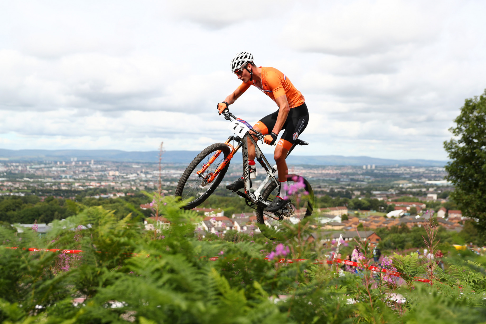 courtney win at uci mountain bike world cup