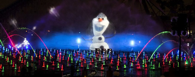 World of Color – Winter Dreams all-new nighttime Disneyland show debuts featuring Frozen, Toy Story, holiday songs