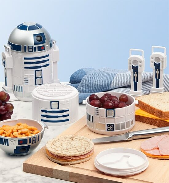 huil_r2-d2_bento_box_inuse