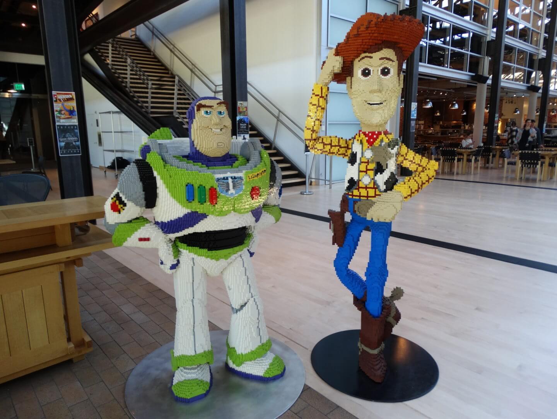 Buzz Lightyear And Woody From U201cToy Storyu201d In LEGO Form.