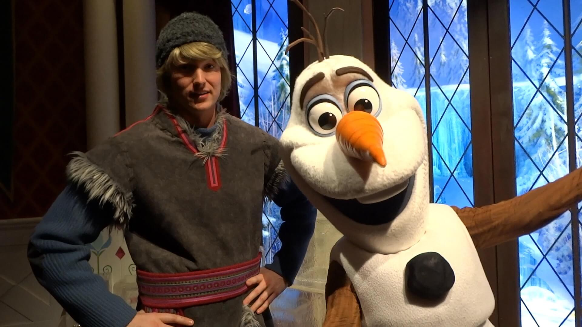 Kristoff Olaf Pair Up In New Frozen Meet And Greet At Disneyland