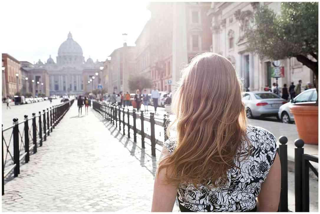 Abi walking through Rome via @insidetravellab