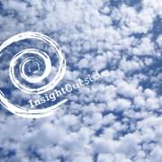 Himmel mit Wolken und Insight Outside Logo