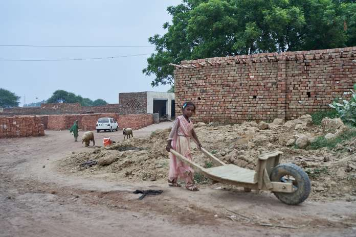 brickfactory working child