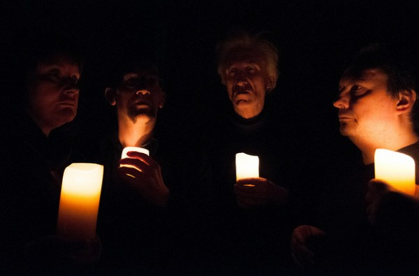 in situ: actors illuminated by candlelight