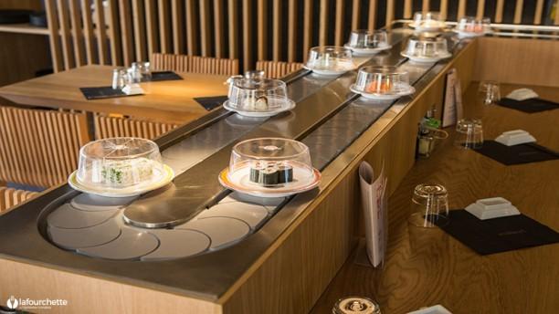 restaurant matsuri avec tapis roulant a