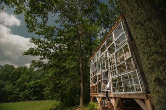 Glass-cabin-Nick-Olson-Lilah-Horwitz-2