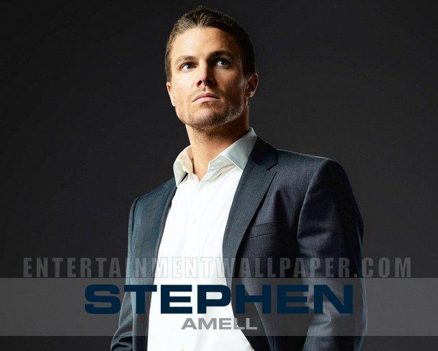 Stephen-Amell-13