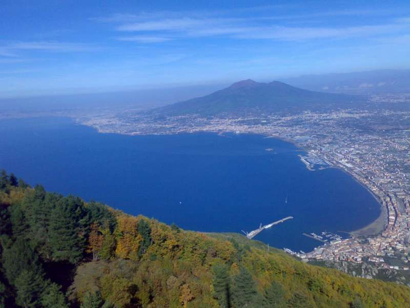 VESUVIUS VOLCANO CAMPANIA SOUTH ITALY HOLIDAYS TRAVEL