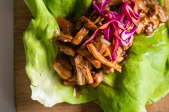 "Vegan Pulled ""Pork"" Lettuce Wraps!"