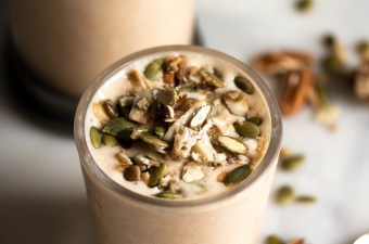 Thick & Creamy 🥛 Maple Pumpkin Pecan Pie Smoothie {Low Carb & High Protein}