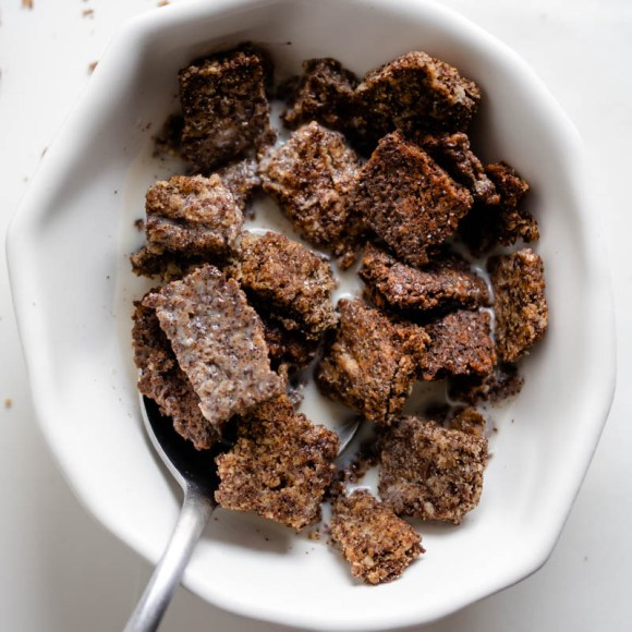 Low Carb Cinnamon Flax Cereal