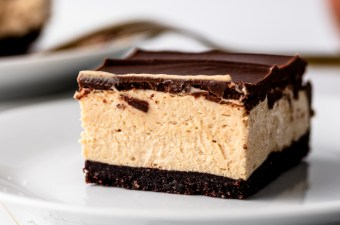 Low Carb No-Bake Peanut Butter Pie Bars