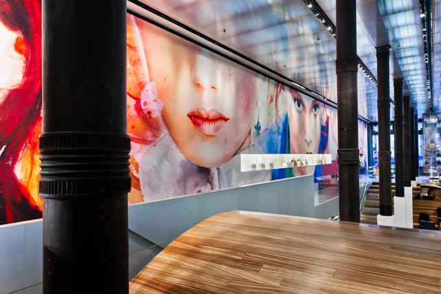 marcela-gutierrez-Prada-Wallpaper-official-photo3