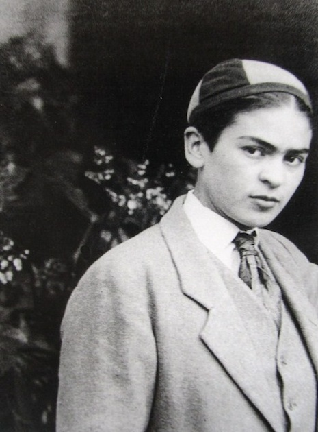 frida-kahlo-boy-2