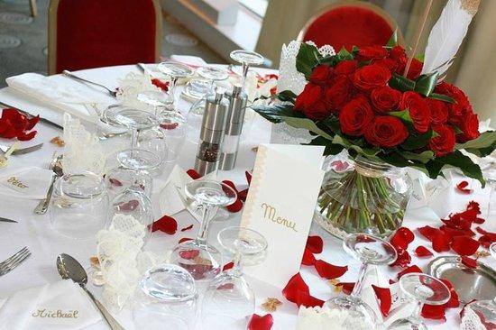Dco Tables De Mariage Avec Des Roses 20 Ides Pour Vous