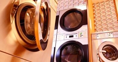 Washing Machine Dryer Launderette  - Ptschinz / Pixabay