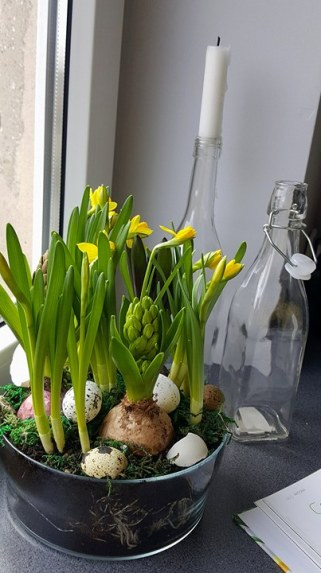 Cebulowy Stroik Wielkanocny
