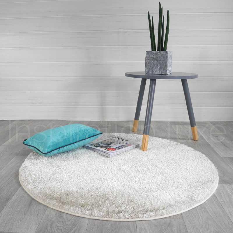 tapis sur mesure rond beige shaggy fin par inspiration luxe